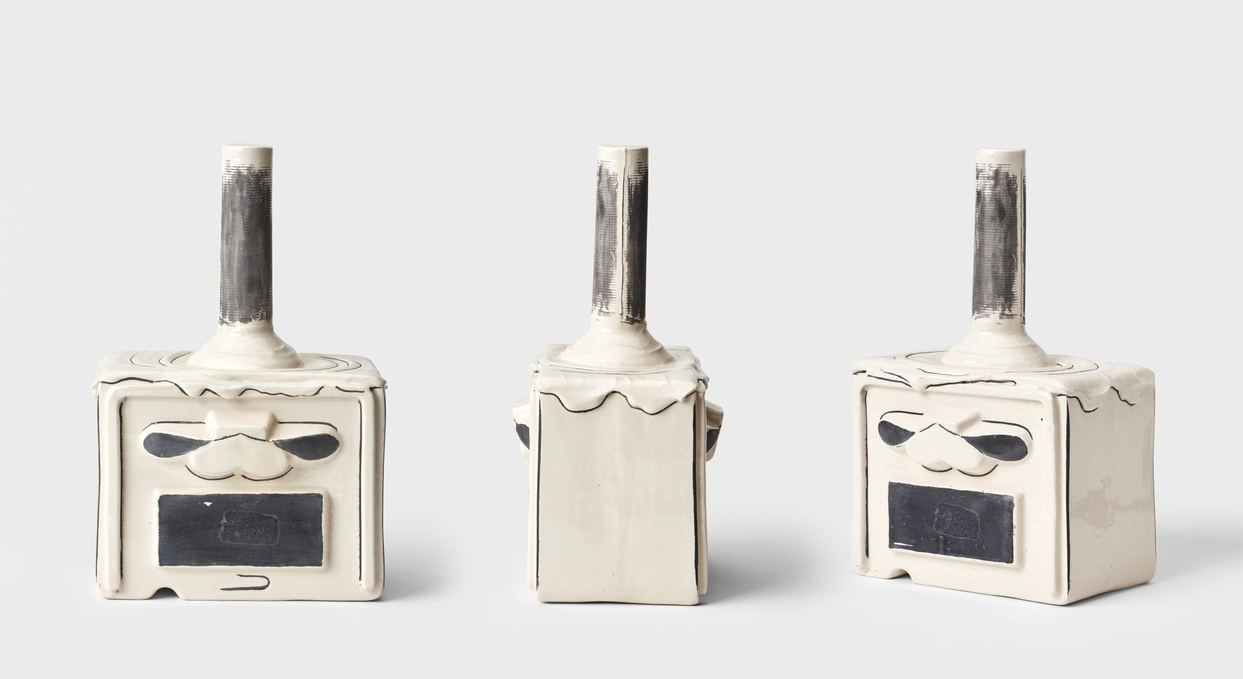 De la serie The molotov party, 2017. Cerámica. arcilla blanca, 3 quemas entre 1123 a 800 grados C, esmaltado blanco y engobe negro bruñido. 23 x 14.5 x 11 cm