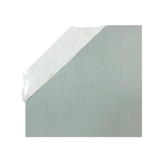 Fragmento F. 2019.  Acrílico sobre panel y mármol. 35 x 33 cm