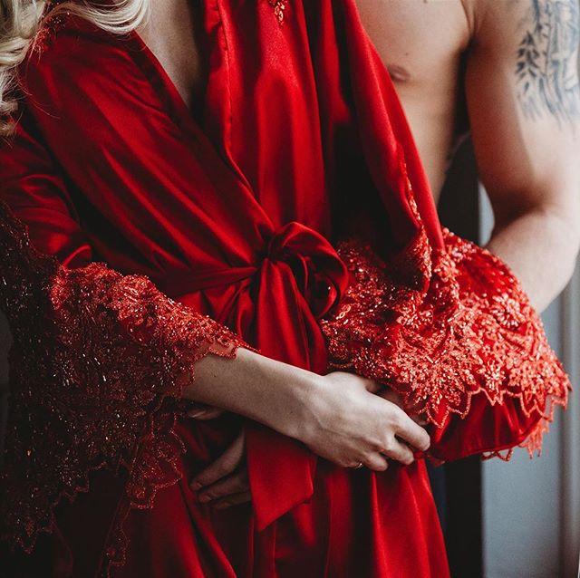 Those fire red dazzling beaded details ❤️ #madalynjoydesigns #madalynjoylingerie #madalynjoy #fashion #fashiondesigner #designer #lingerie #lingeriedesigner #bespoke #bespokelingerie #milwaukee #mke #midwest #midwestfashion #ootd  #sexy #madeinamerica #madeintheusa #femmefatale #mkefw #milwaukeefashionweek #fw18
