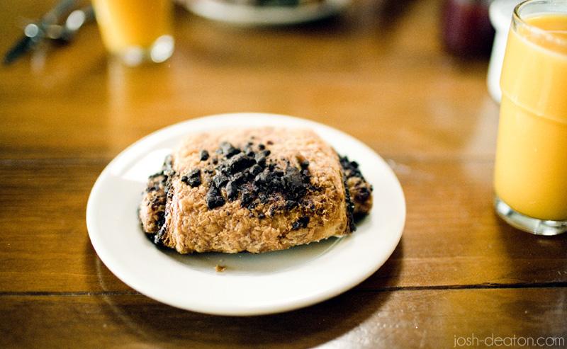 costeaux bakery healdsburg california chocolate croissant