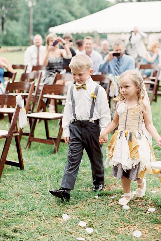 diy-backyard-wedding-13.jpg