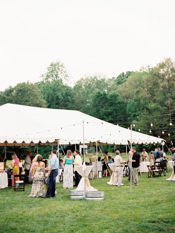 diy-backyard-wedding-27.jpg