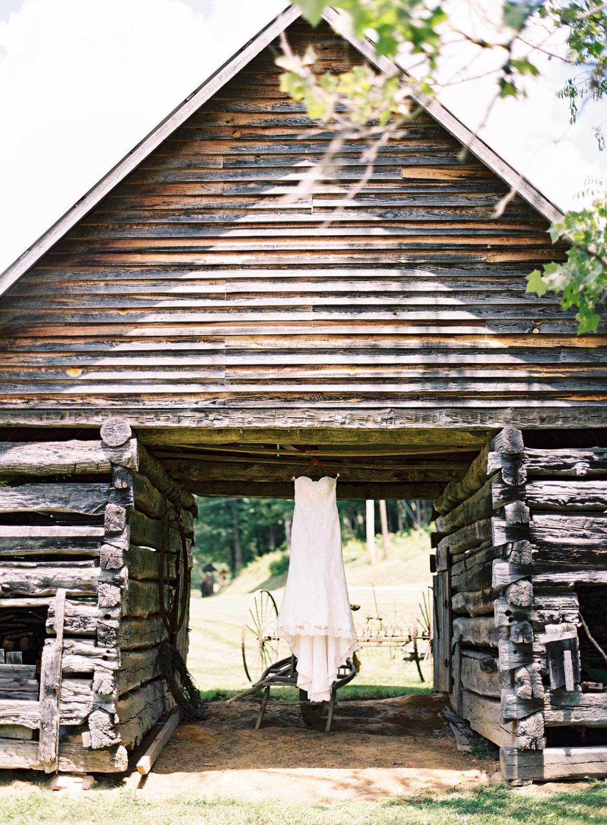 mcguires-millrace-farm-wedding-001.jpg