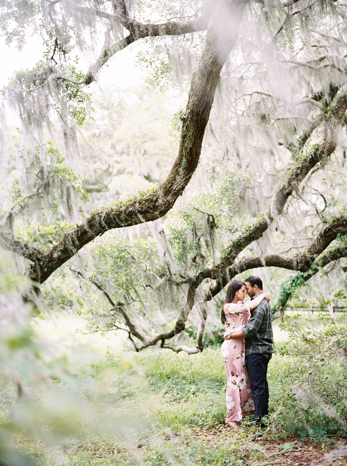 magnolia-plantation-charleston-engagement-002.jpg