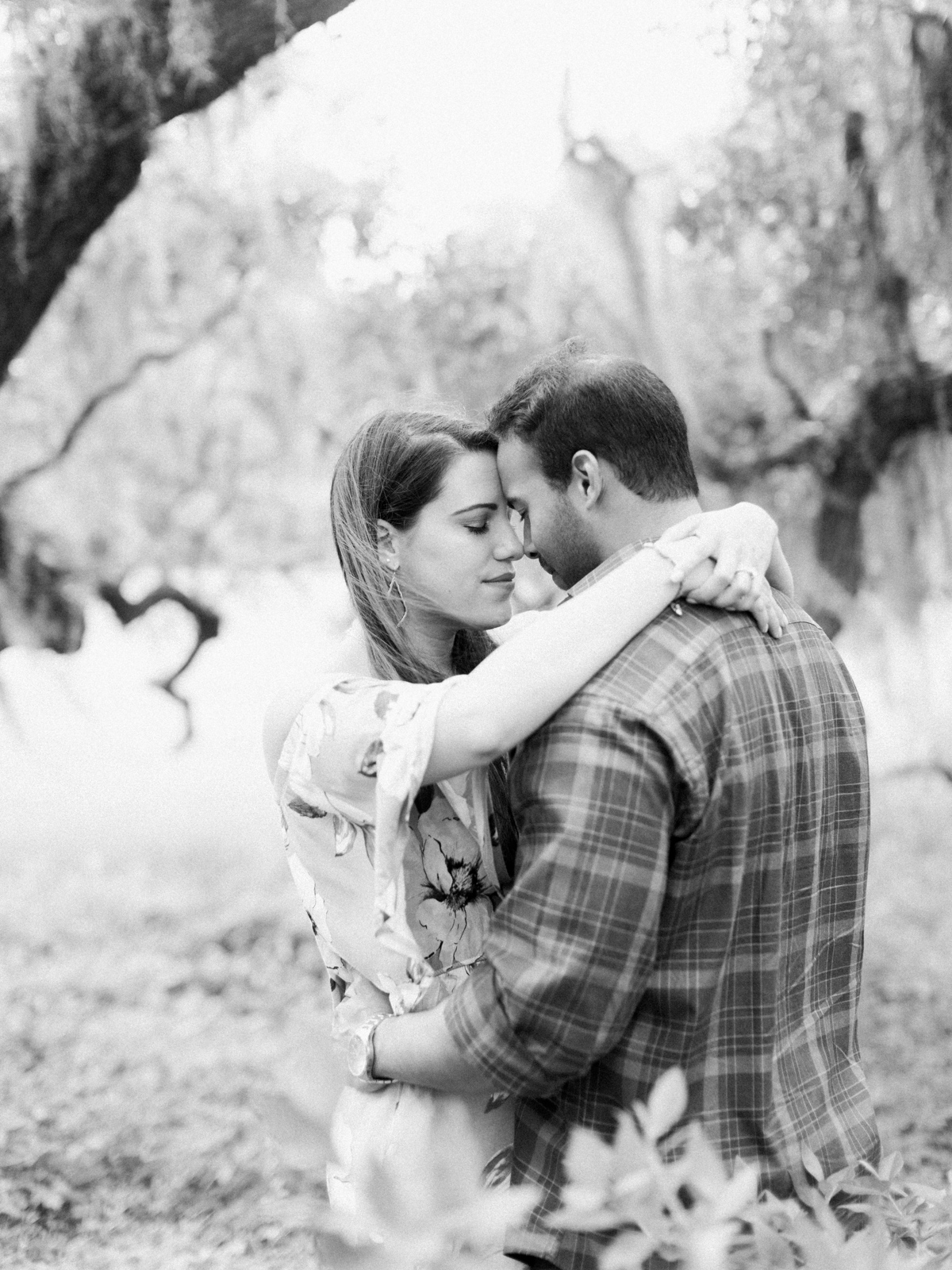 magnolia-plantation-charleston-engagement-003.jpg