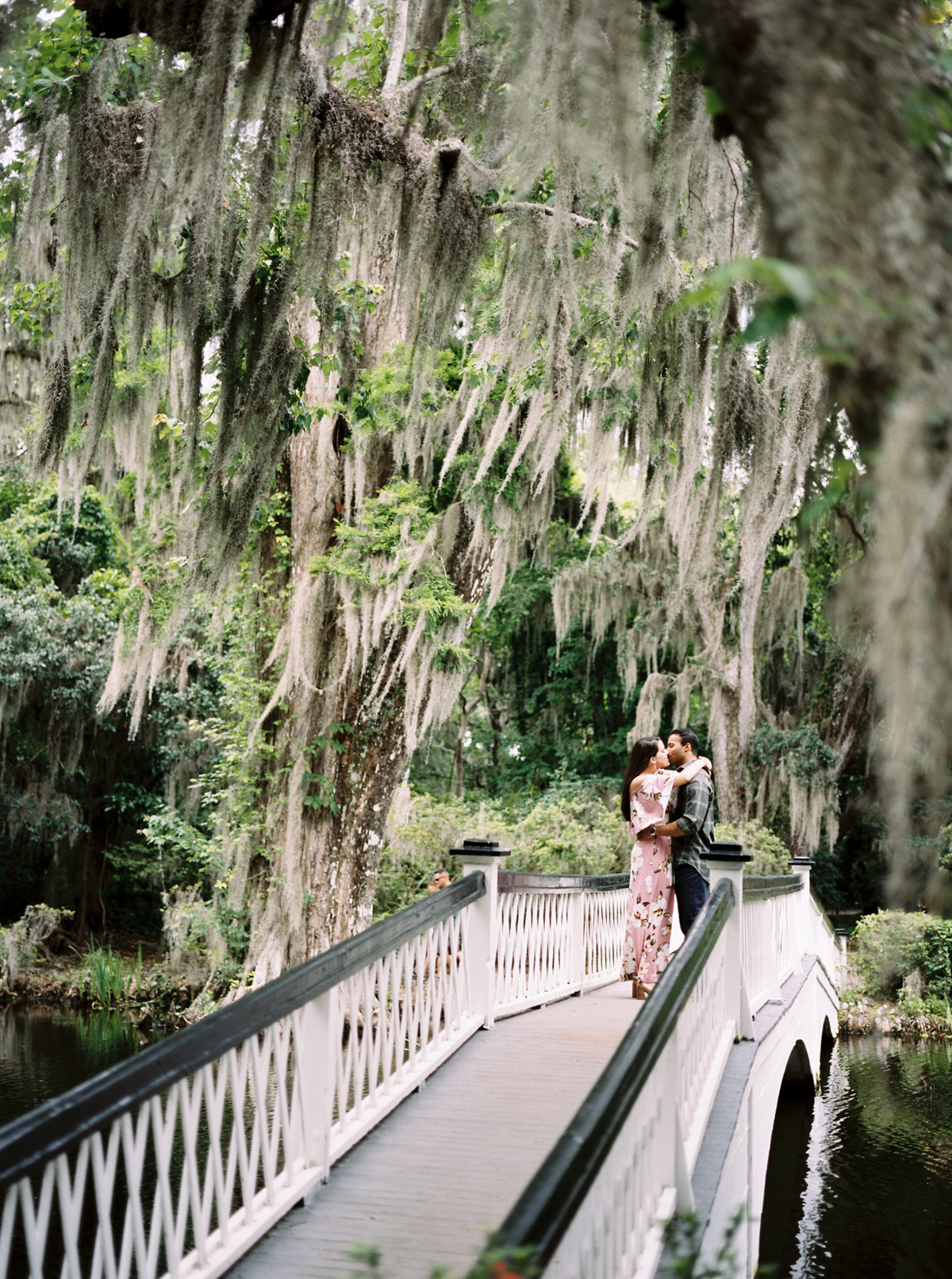 magnolia-plantation-charleston-engagement-007.jpg