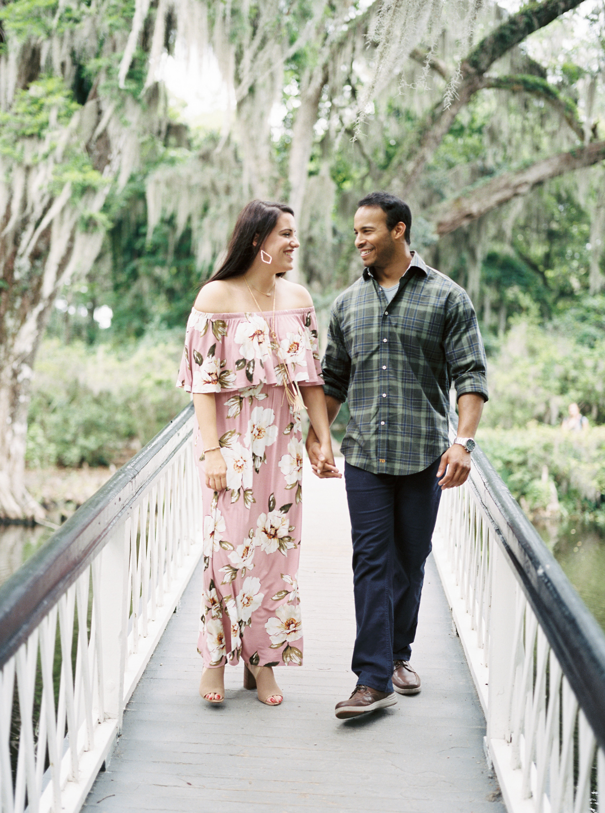 magnolia-plantation-charleston-engagement-009.jpg
