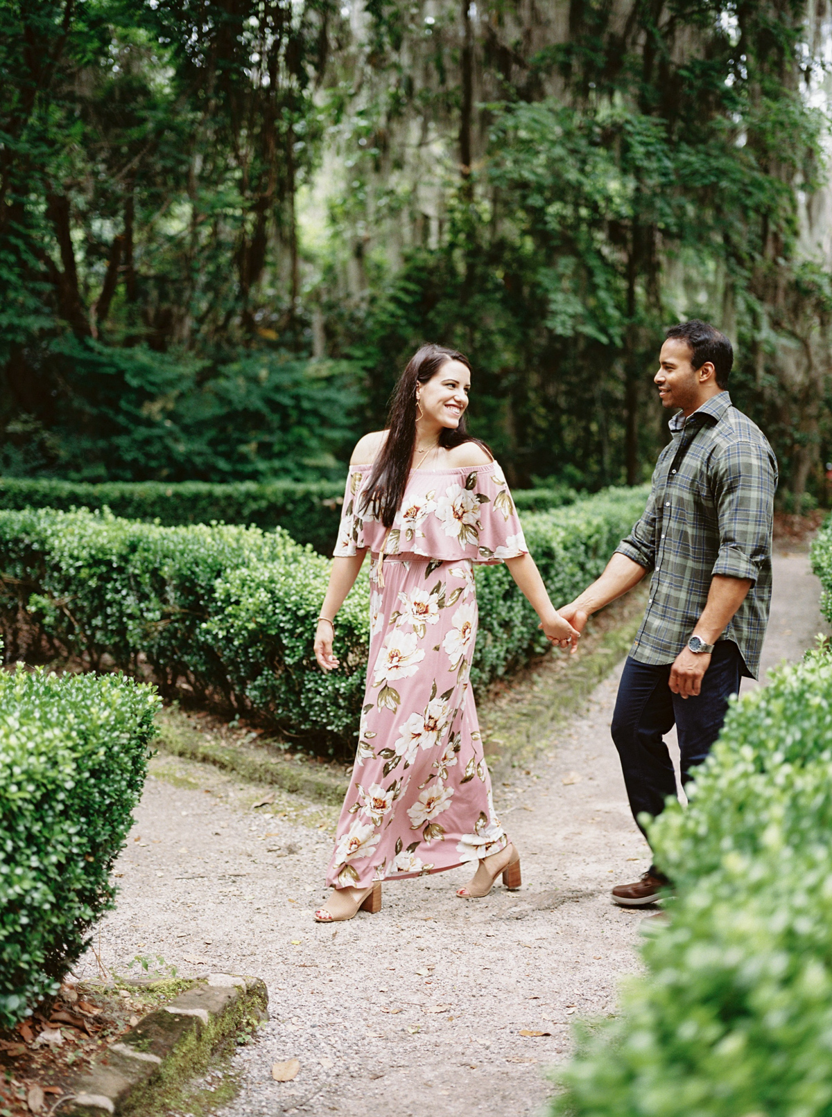magnolia-plantation-charleston-engagement-011.jpg