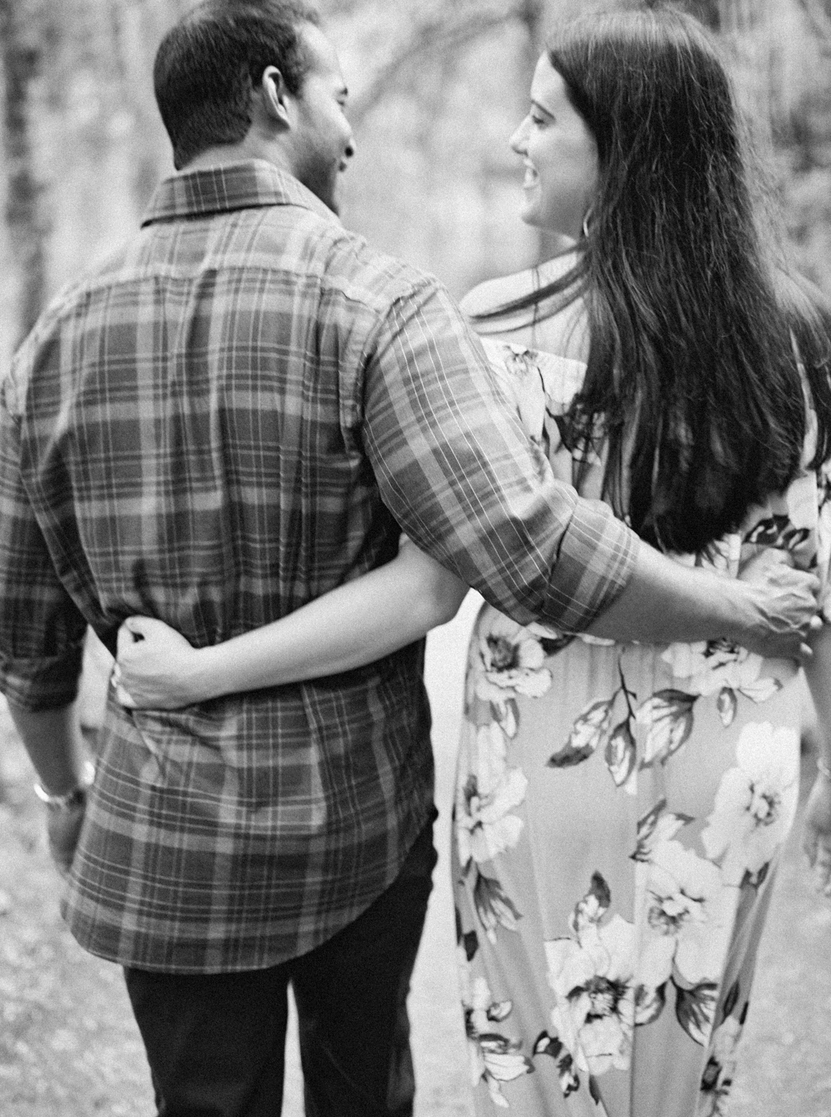 magnolia-plantation-charleston-engagement-013.jpg