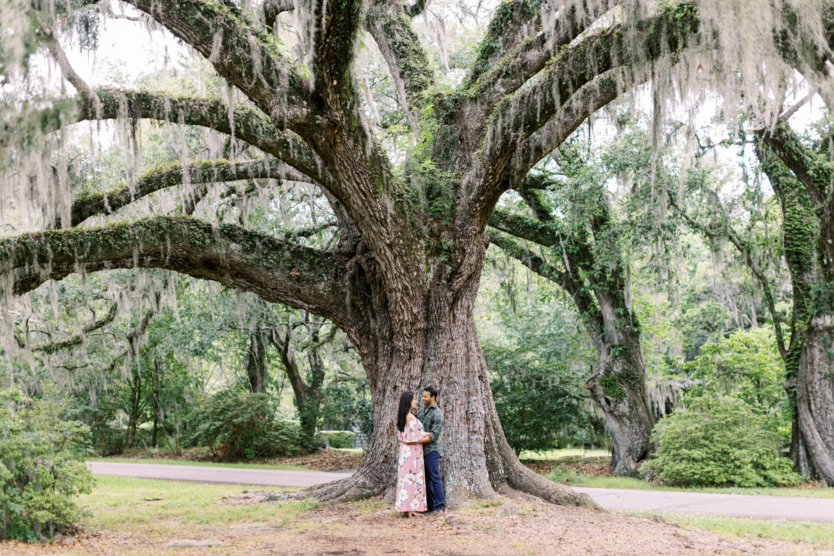magnolia-plantation-charleston-engagement-016.jpg