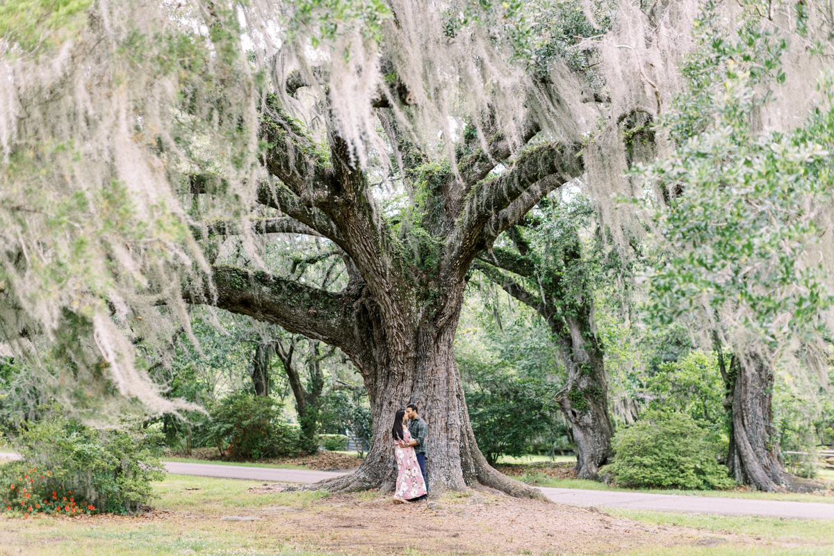magnolia-plantation-charleston-engagement-017.jpg