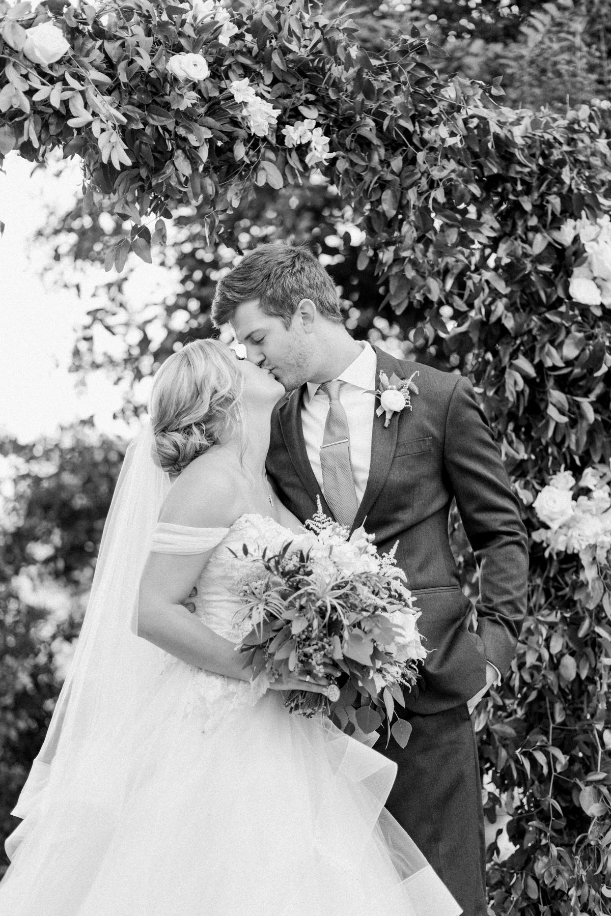 winmock-kinderton-wedding-057.jpg
