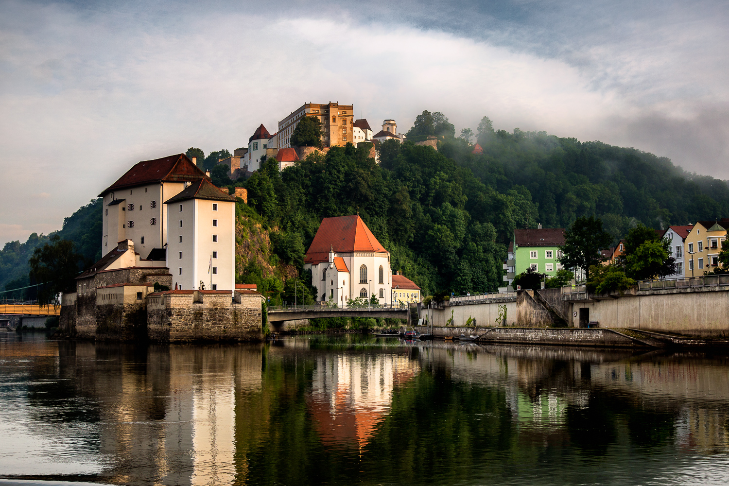 Passau-Buildings-Reflected-Danube.jpg