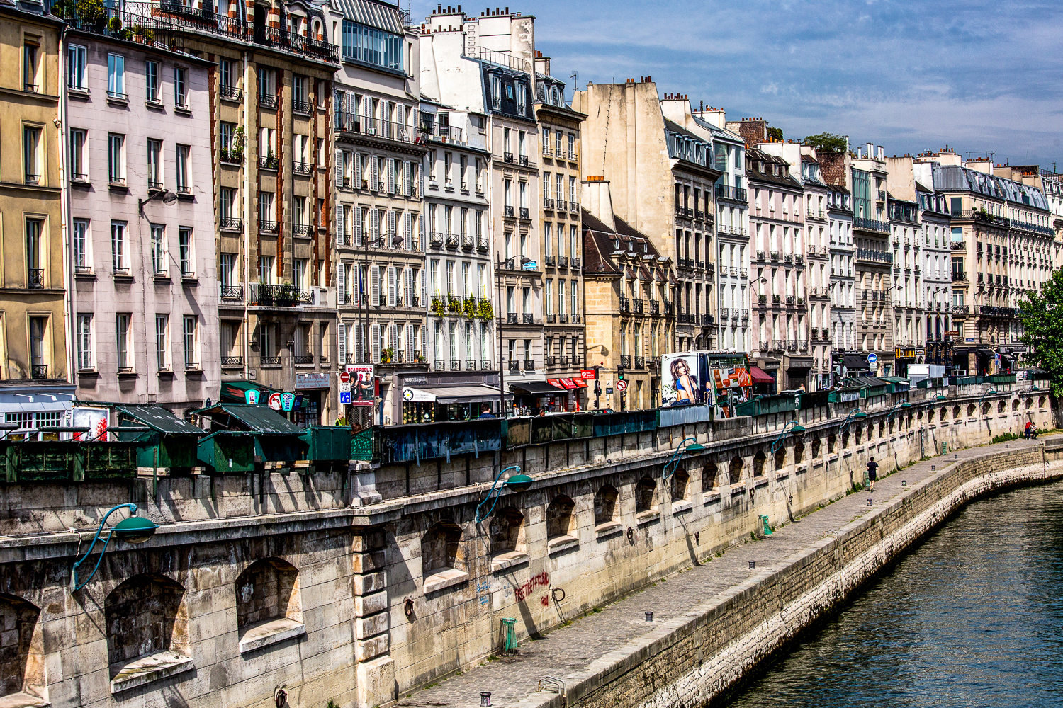 20180512-Apartments-Line-The-Seine.jpg