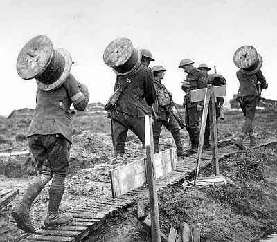 WWI Soldiers Laying Wire Along a Line of Communications (BBC)
