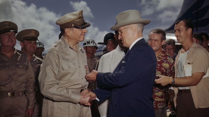 President Truman decorating General MacArthur on Wake Island, October 15, 1950.(Bettmann,CORBIS)
