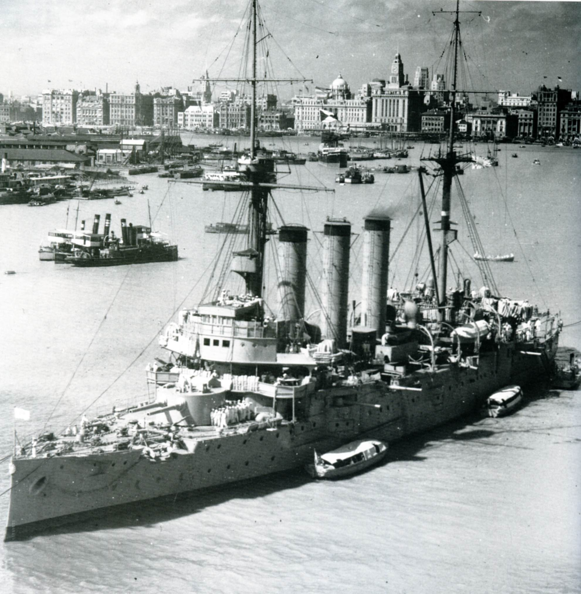 The Japanese cruiser Izumo in Shanghai in 1937. (Public Domain)