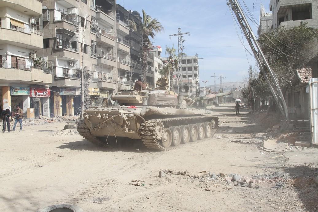 Syrian armored forces in Darayya.