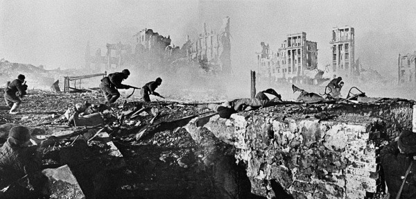 Soviet soldiers in Stalingrad, February 1943. (Wikimedia)