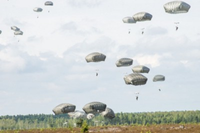 Operation Atlantic Resolve includes airborne Soldiers and scales up... (U.S. Army photo/Spc. Cassandra Simonton)