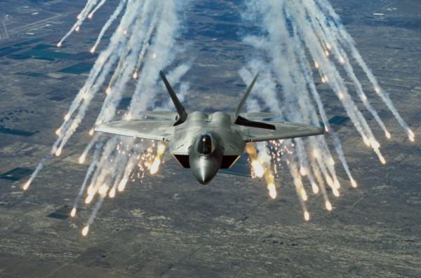 F-22 Raptor releases defensive countermeasures. Image Courtesy Wikimedia