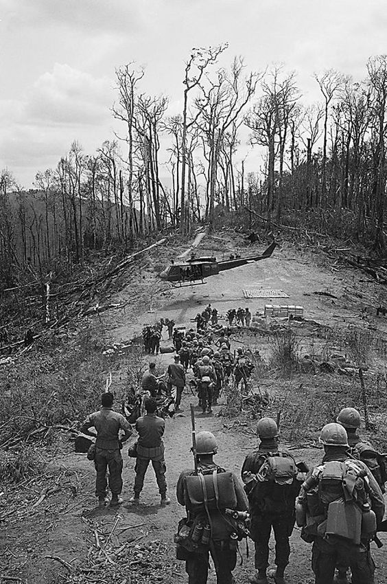 4th Infantry Division Vietnam Pleiku Province |Henri Huet