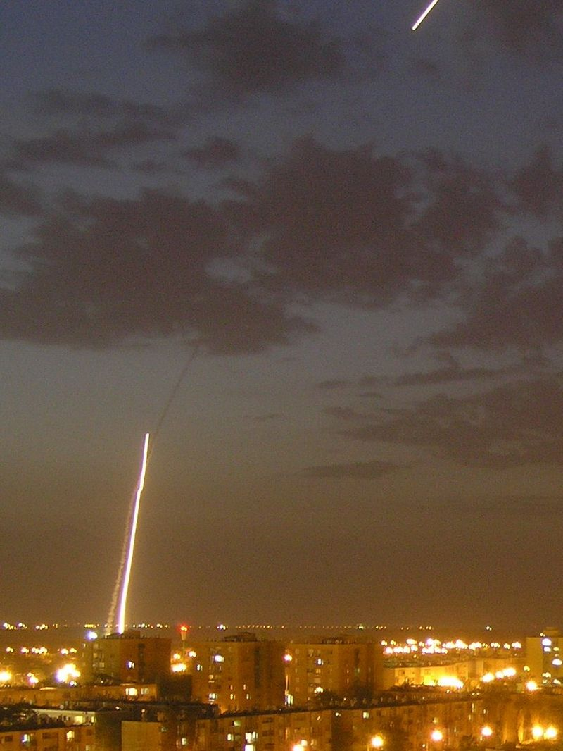 Iron Dome in action during Operation Pillar of Defense (  Emanuel Yellin/Wikimedia)