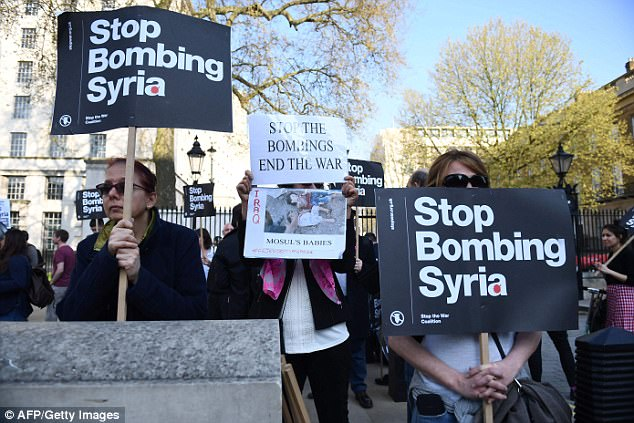 British protests of bombing in Syria. (AFP/Getty/Guardian)