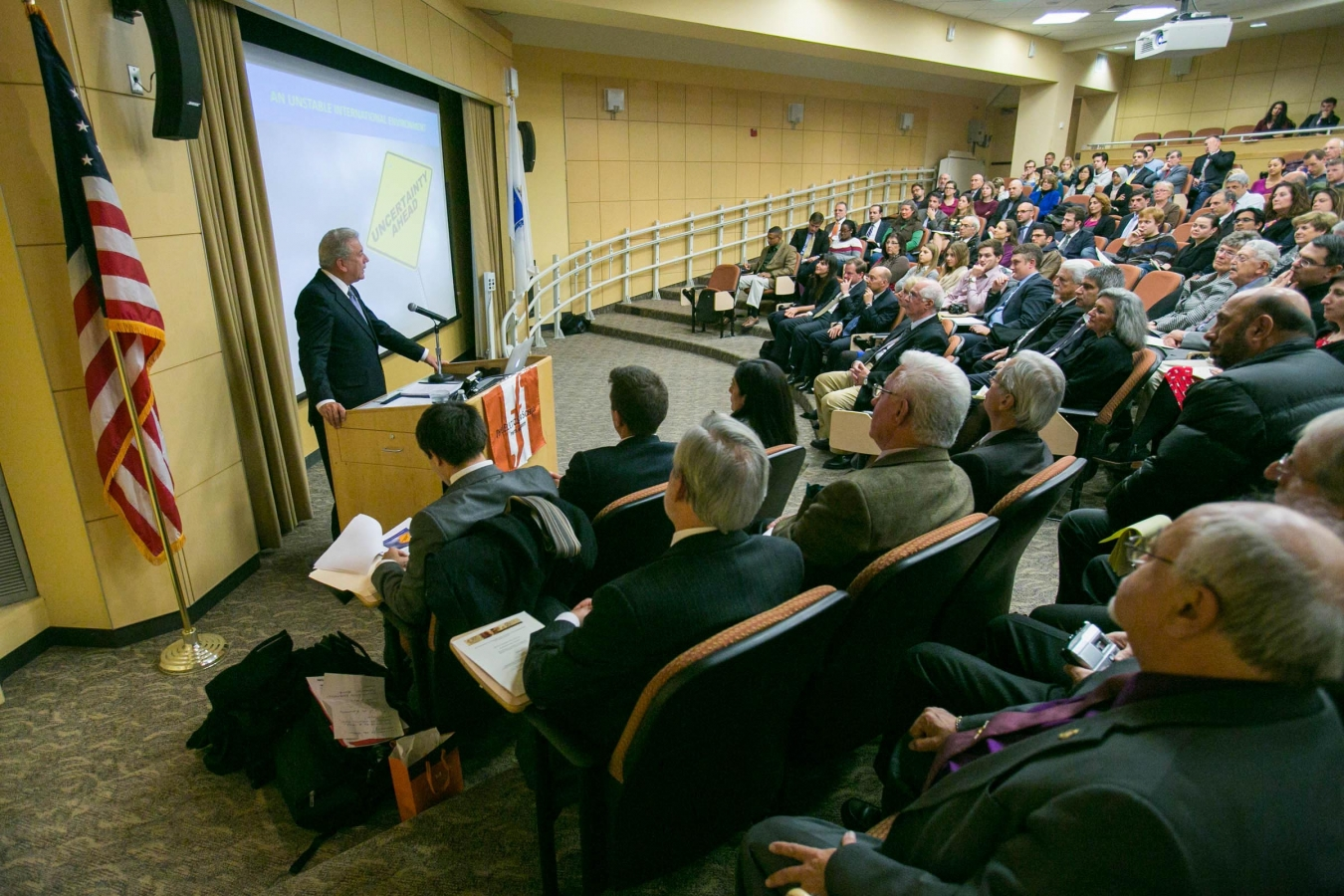 Defence Minister Dimitris Avramopoulos lectures at the Fletcher School of Law and Diplomacy of the Tufts University (Hellenic Republic/Minister of Defense)