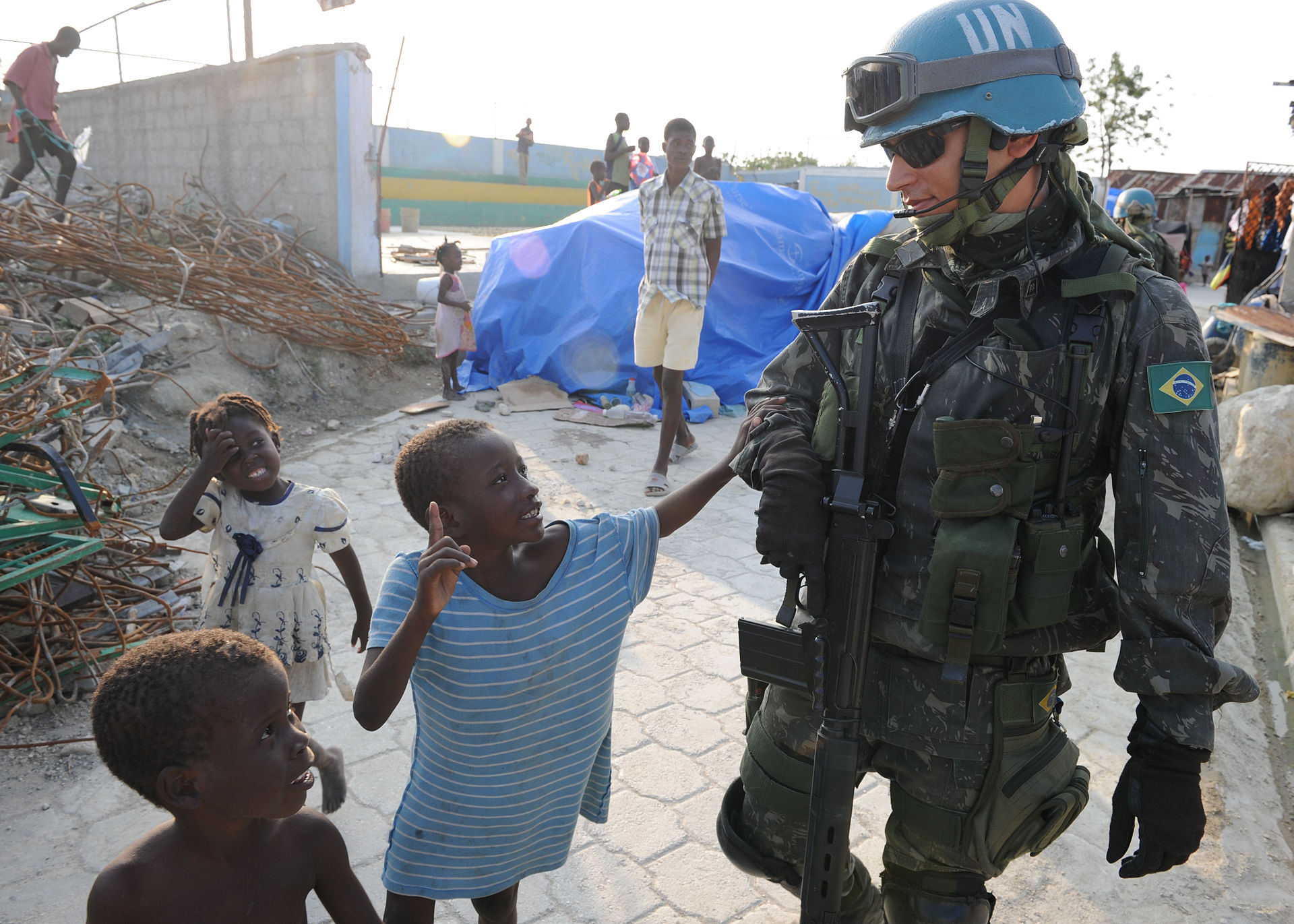 Brazilian Army participating in a 2010 UN peacekeeping mission in Haiti. (Mass Communication Specialist 1st Class David A. FrechU.S. Navy Photo/Wikimedia)