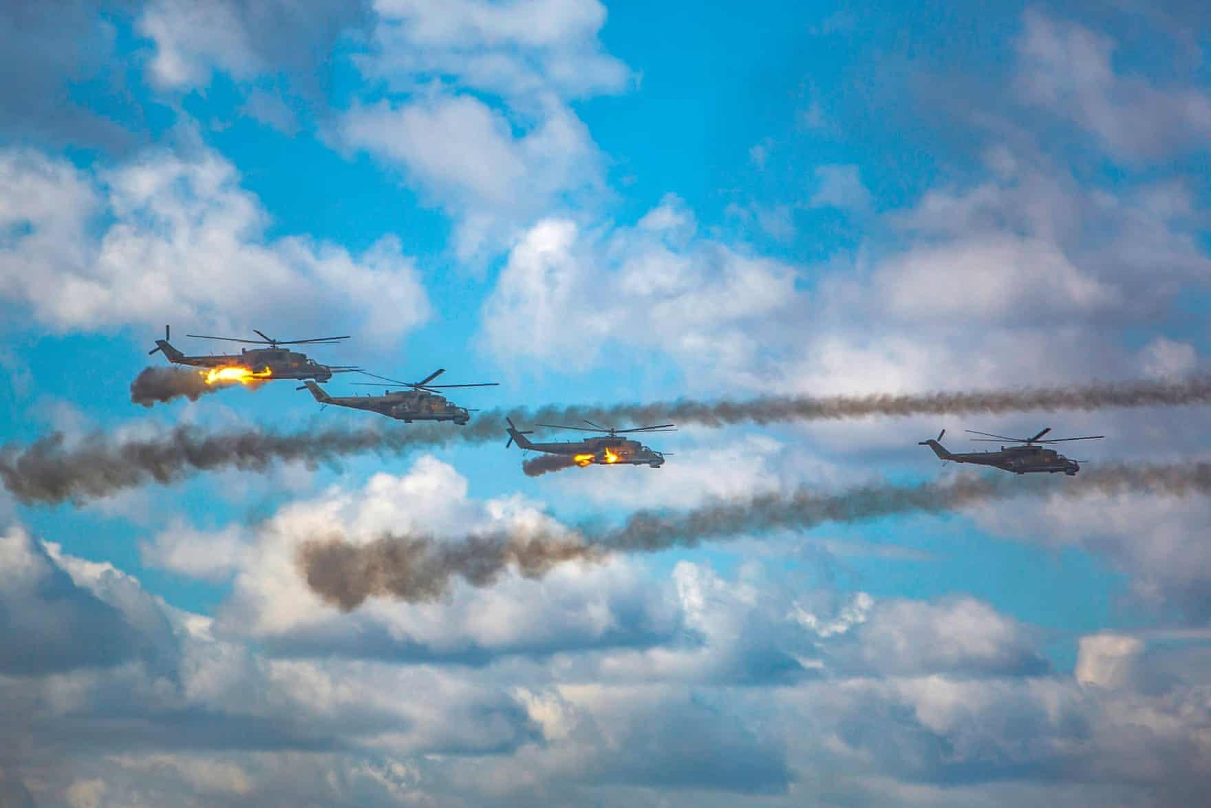 Russian helicopters over Zabaykalsky Krai during Vostok (EPA)