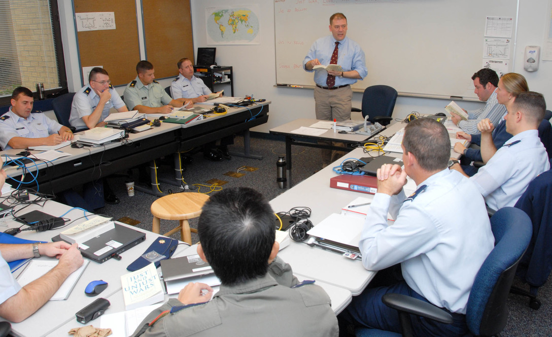Students at the U.S. Air Force's Air Command and Staff College participate in a group discussion during class. /Bennett Rock/U.S. Air Force Photo)