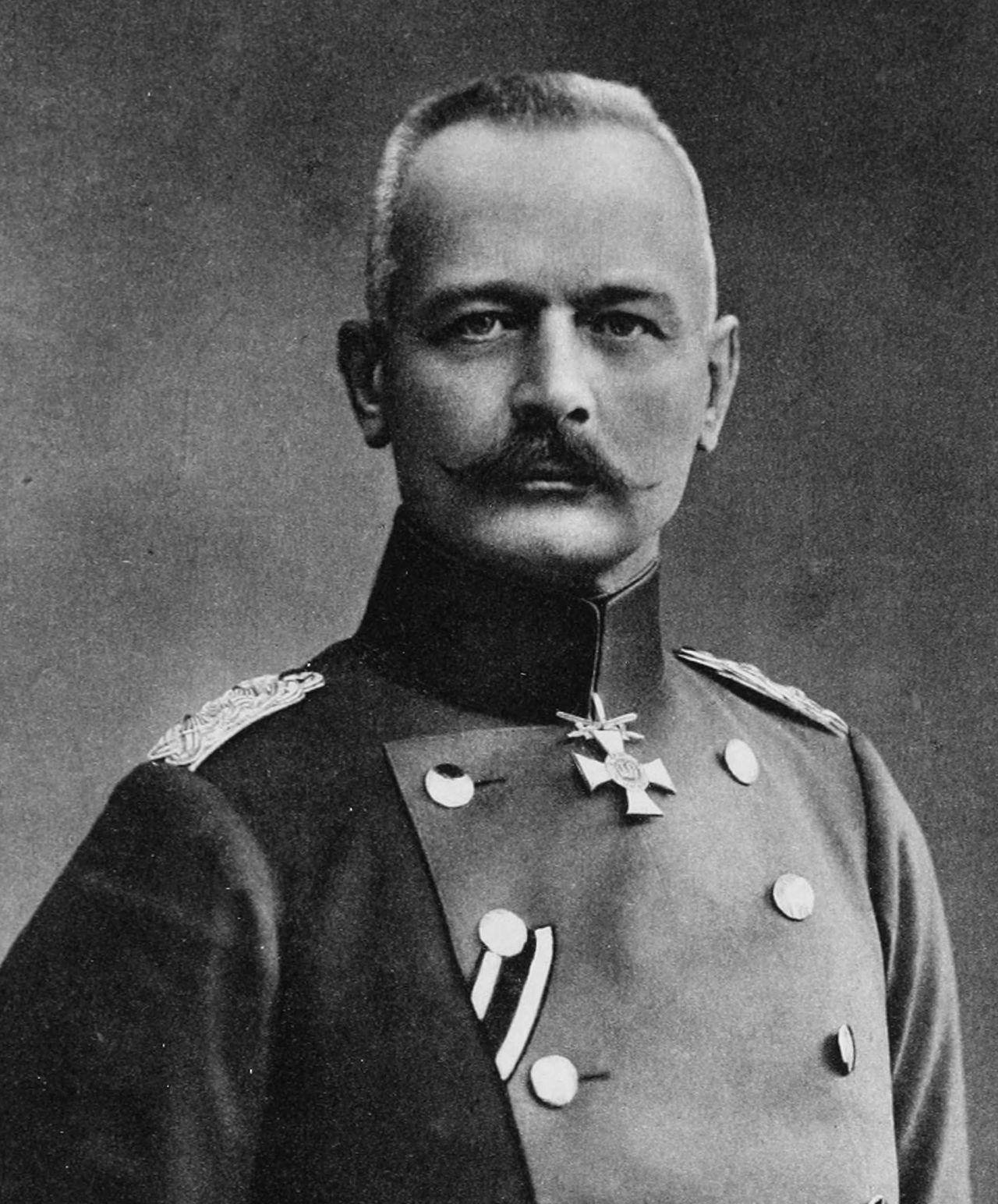 General Erich von Falkenhayn, Chief of the German General Staff from September 1914 until 29 August 1916. (Albert Meyer/Wikimedia)