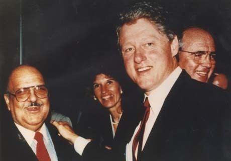 Orlando Castro-Llanes with President Bill Clinton (Alchetron)