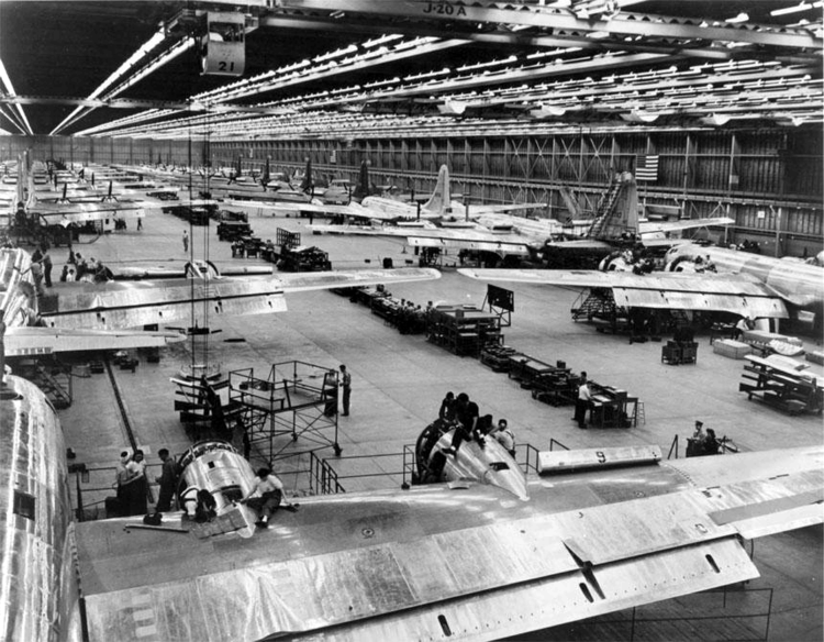 Boeing B-29 Superfortress Assembly Line (Airplanes of the Past)