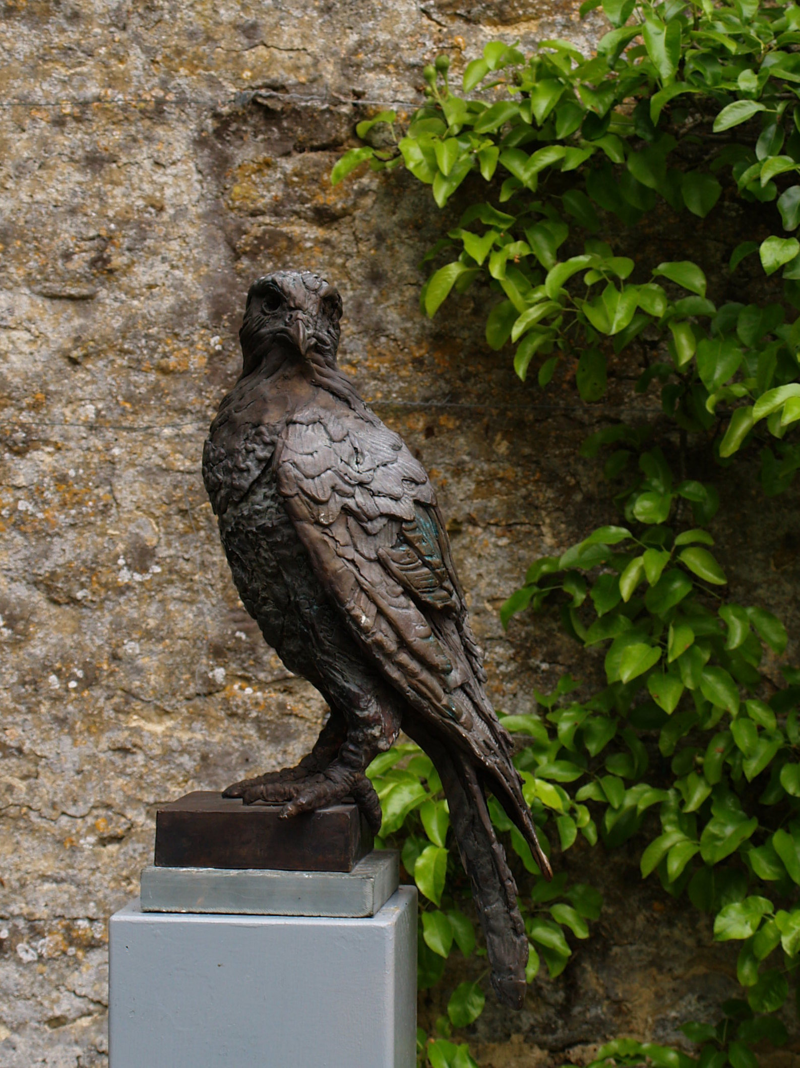 Rover - bronze sculpture by Marjan Wouda