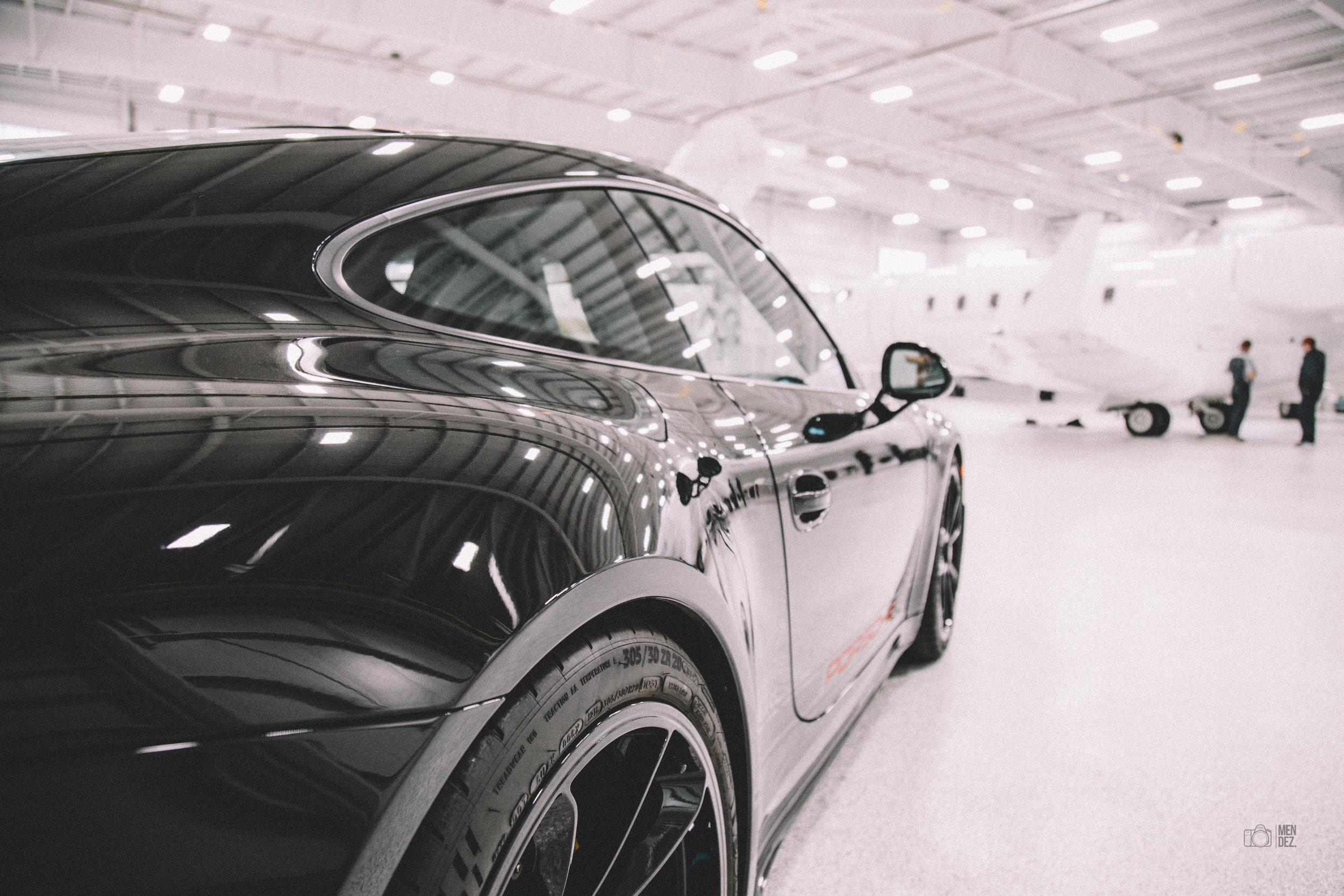 Porsche 911 R at the Hangar   December 2016