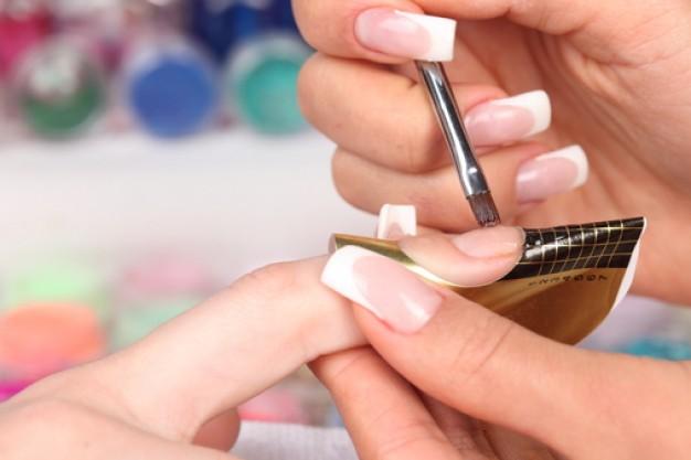 Curso-gratuito-Manicure-e-Pedicure-no-RS.jpg