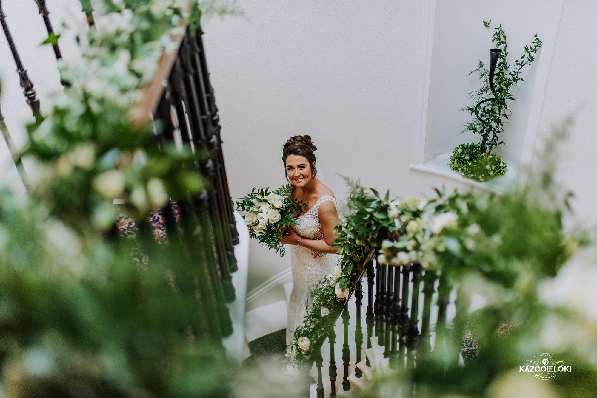 Victoria & Jack bride on stairs 2 (Kazooieloki).jpg