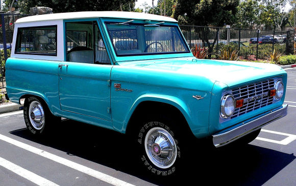 1968-Ford-Bronco-Front.jpg
