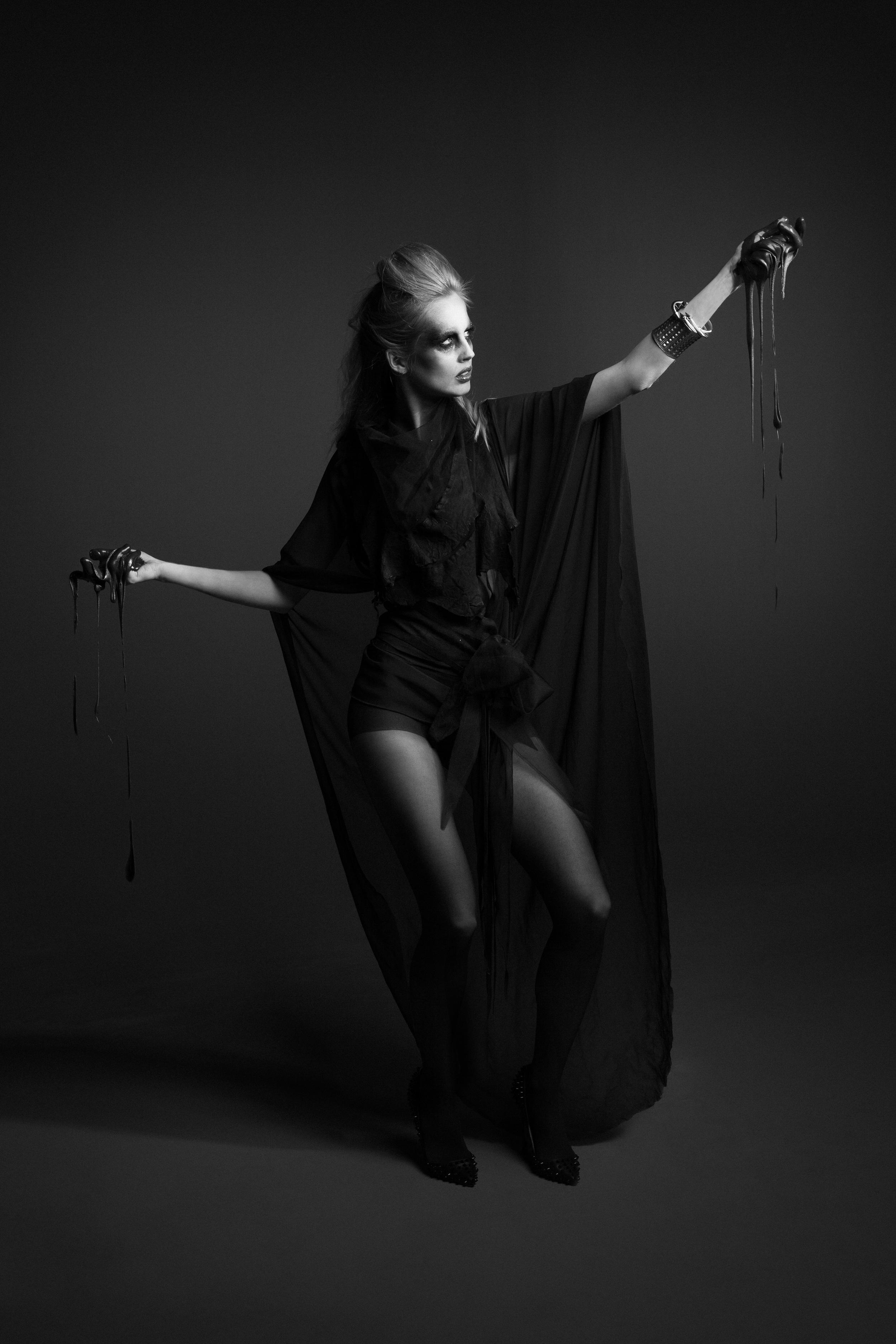 TheØrder-AW2013-IllaMagus-Editorial-7-2.jpg