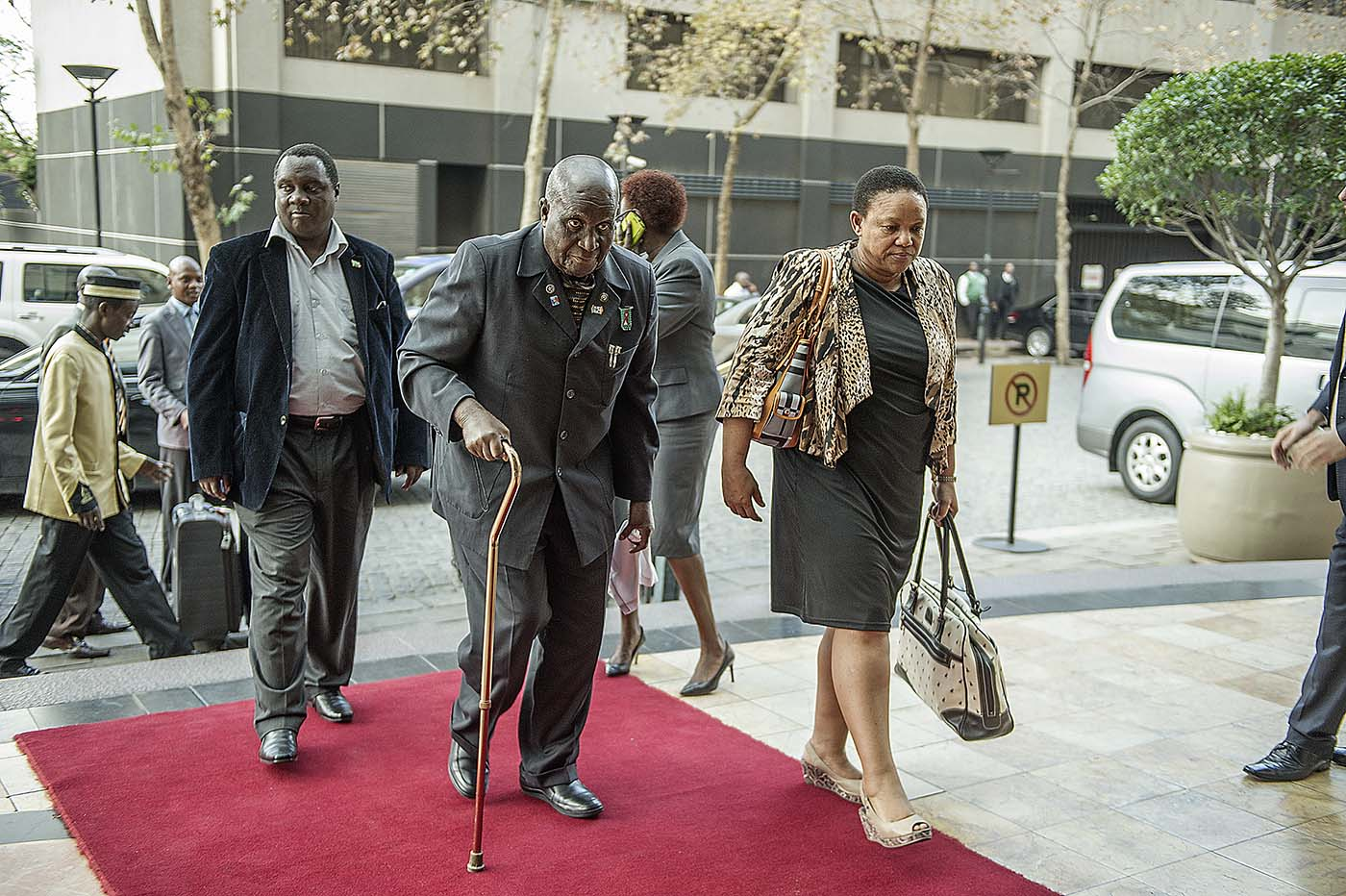 The former President of Zambia, Kenneth Kaunda, arrives for the meeting of the Champions.