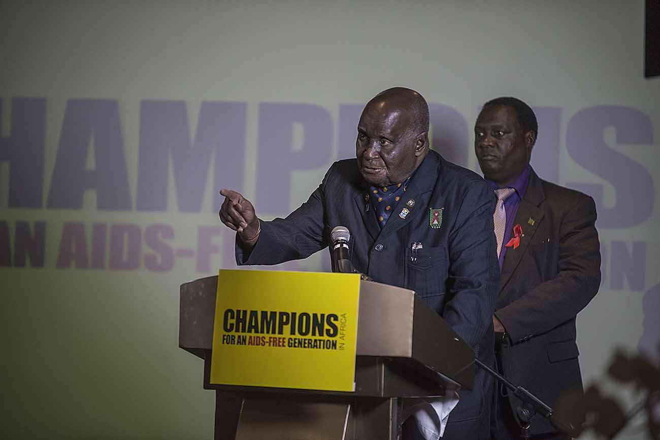 Former Zambian President Kenneth Kaunda addresses guests at the Champions Gala Dinner.