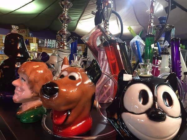 You bet we got you favorite character water pipes!