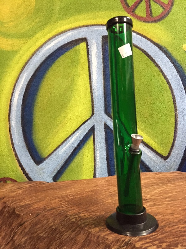 green acrylic water pipe