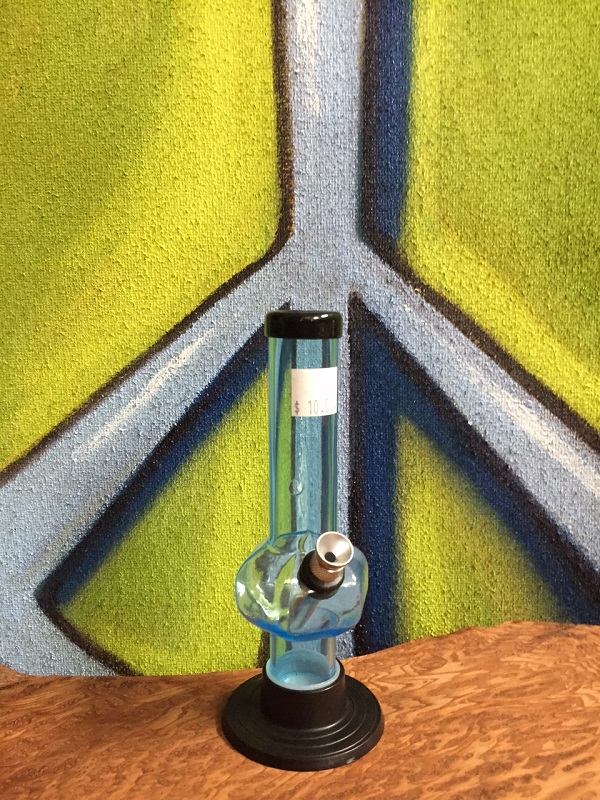 short blue acrylic water pipe (2)