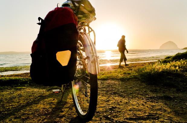 Bike along the coast - CARDIFF BIKE SHOP