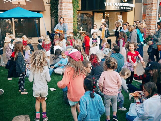 Hullabaloo Band w%2F kids by RW.JPG