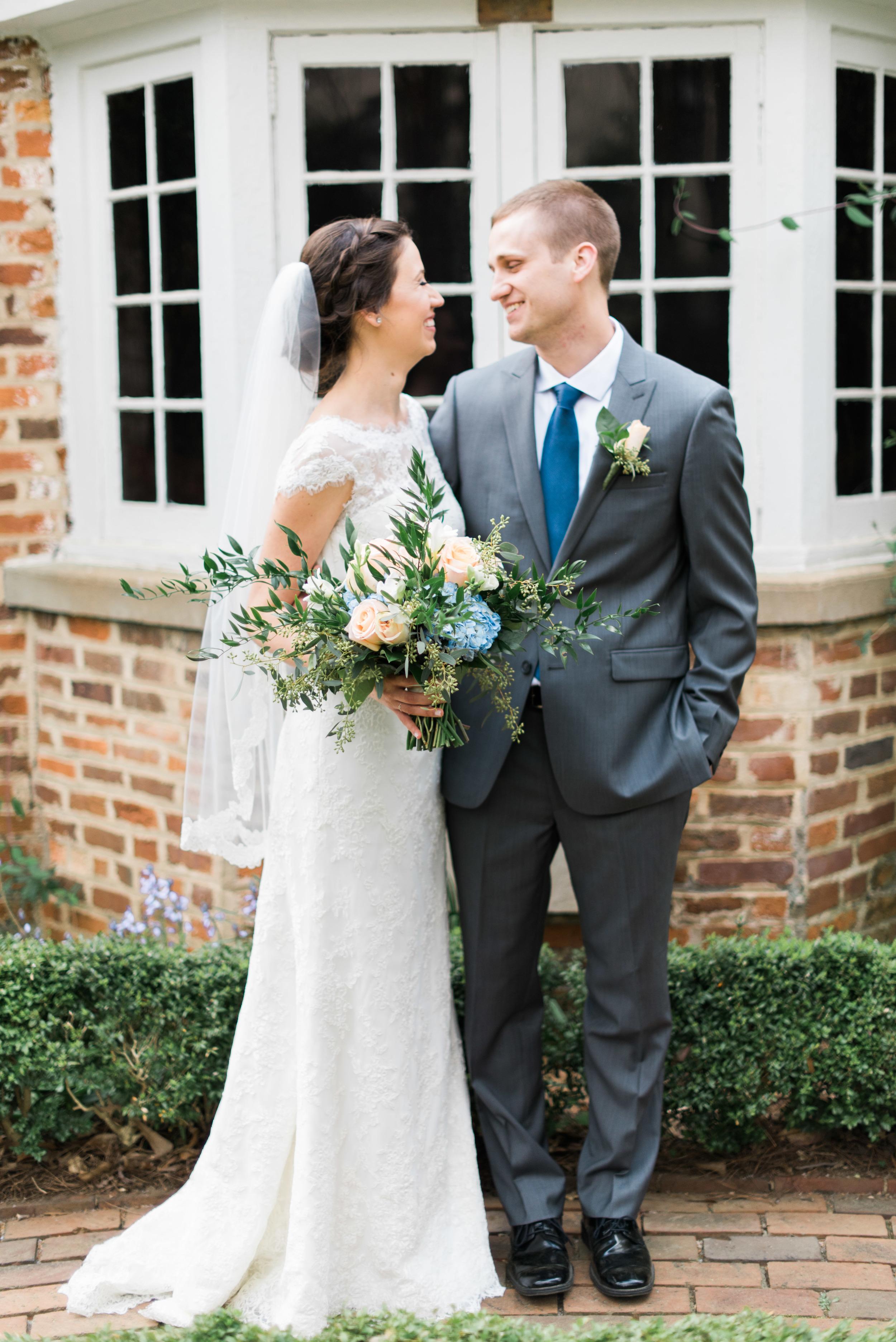 founder's garden bride and groom uga athens wedding photographer