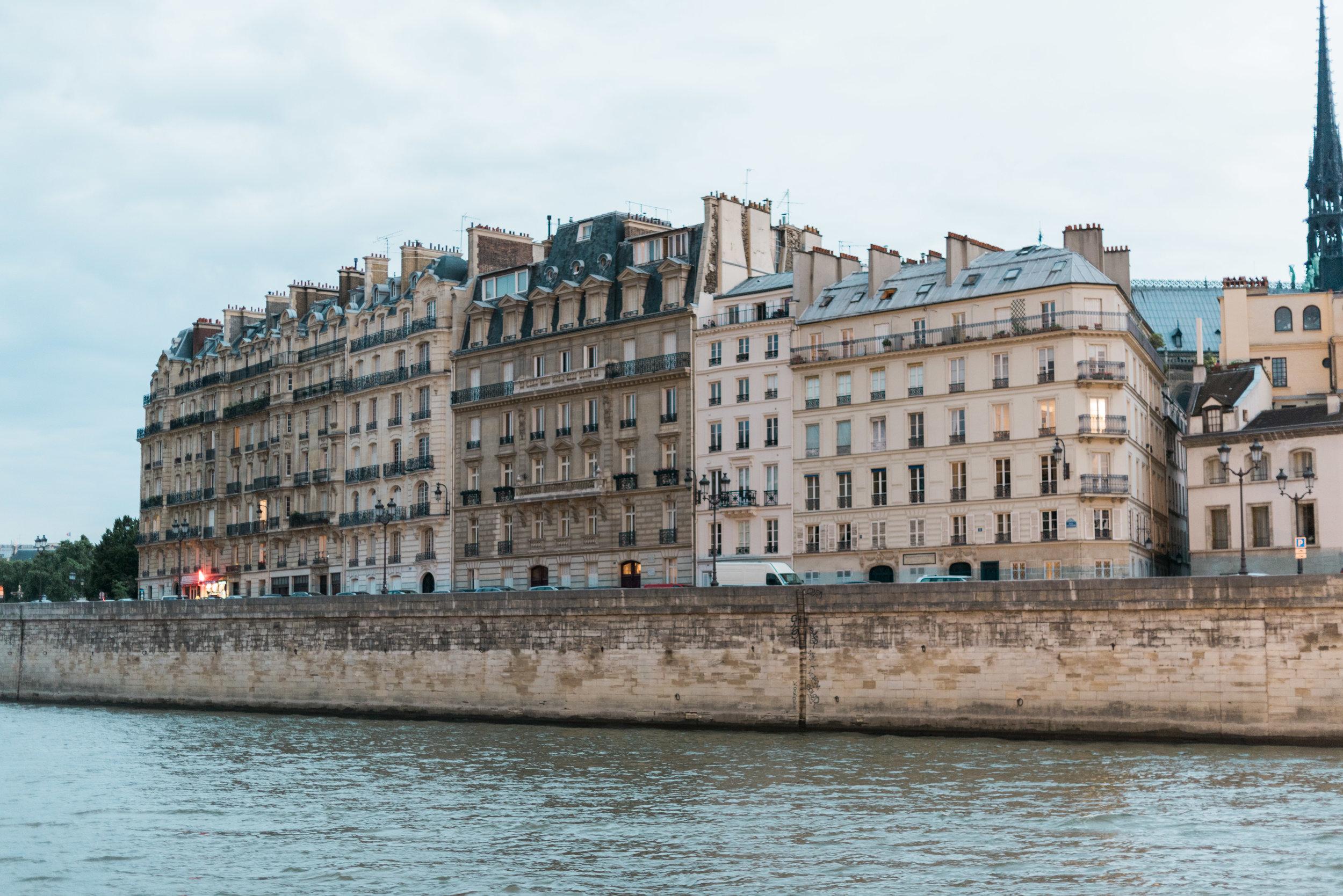 boat tour paris france travel photographer